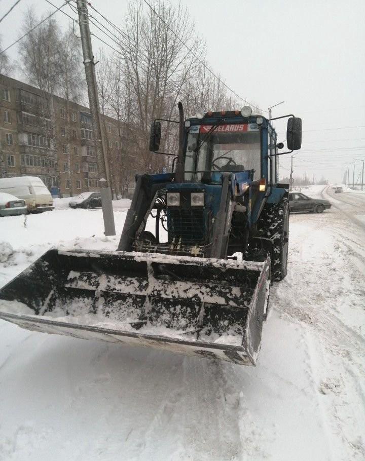 Чистка, Уборка улиц и дорог от снега. Услуги трактора, есть Щётка - Киров, цены, предложения специалистов
